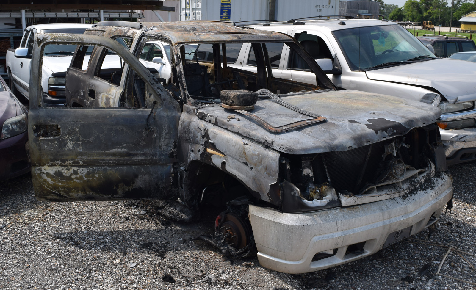 Burned SUV found in Thibodaux (after being towed)